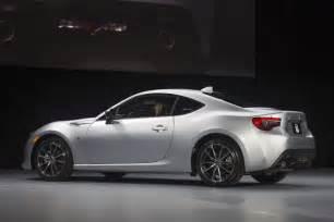 White Toyota 86 2017