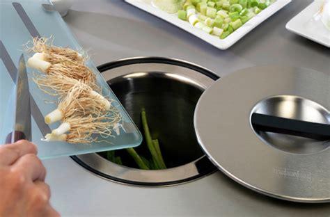 poubelle cuisine integrable petits aménagements malins pour la cuisine darty vous