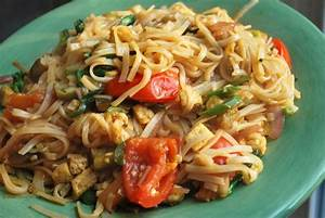 Drunken Noodles - SavoryReviews