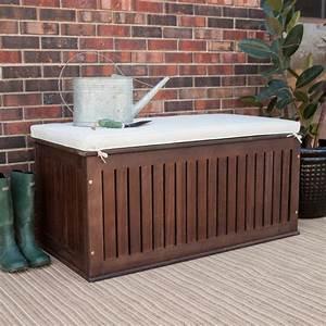 banc coffre bois idees exterieur amenagement With idee amenagement jardin avec piscine 6 le chalet de jardin qui va vous charmer archzine fr