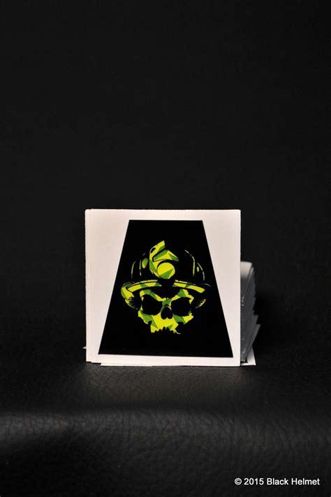 diamondplate helmet tet yellow skull logo  black