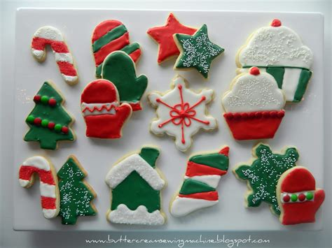 Italian christmas cookies christmas just isn't christmas if we can't sink our teeth into super decorated christmas cookies. Buttercream and a Sewing Machine: Decorating Christmas Cookies
