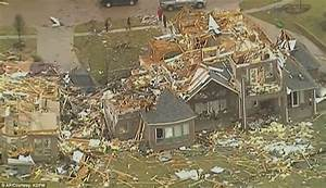 Texas tornado death toll increases to 11 | Daily Mail Online