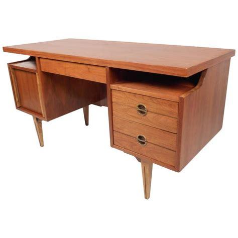 mid century desk l mid century modern walnut desk by hooker furniture for