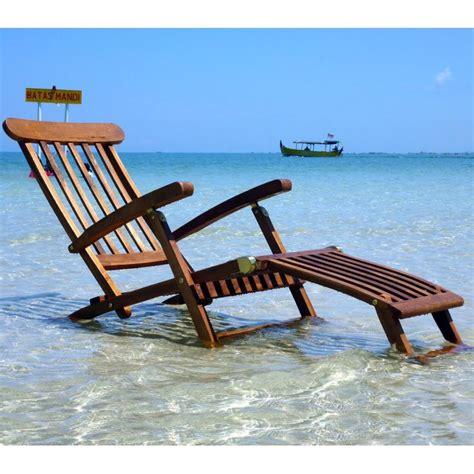 chaise en teck chaise longeu en teck transat de jardin