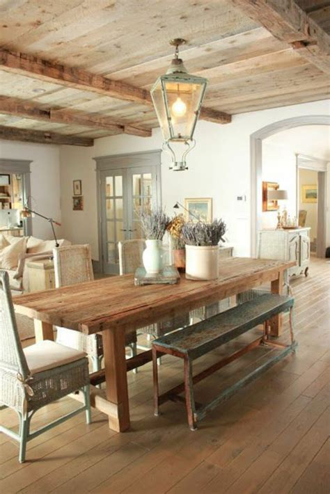 le de salon a poser quel type d int 233 rieur pour votre chalet en bois habitable plafond en bois style rustique et