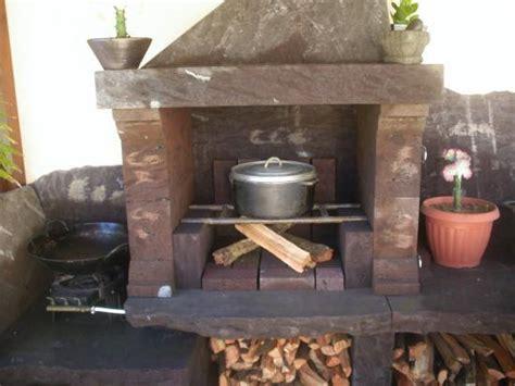 cuisine au feu de bois cuisine d 39 été au feu de bois et barbecue du logement