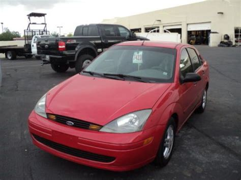 purchase used 2003 ford focus se 2 0l i4 engine 2wd automatic gasoline in hudson new york purchase used 2003 ford focus se sedan 4 door 2 0l red all power needs engine work in tempe