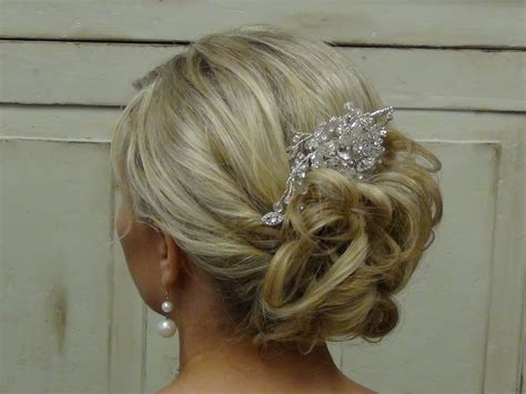 Wedding Hairstyles For Girls : Beautiful Wedding Updo For A Beautiful Bride