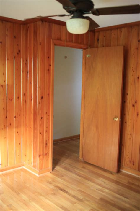 wood panelling room    progess