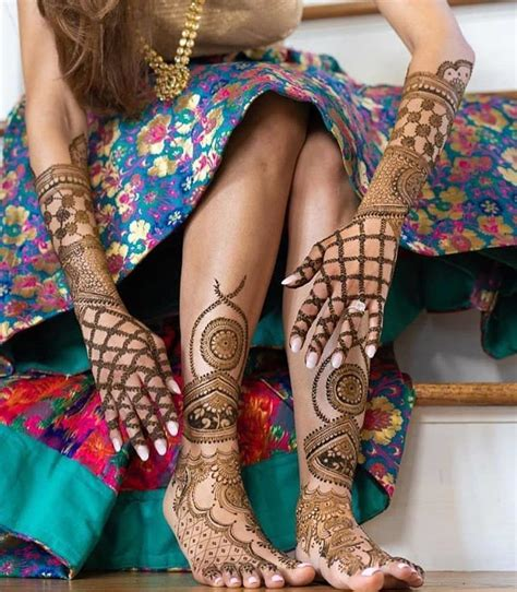 8 Simple And Easy Mehndi Designs For Hands That You Can