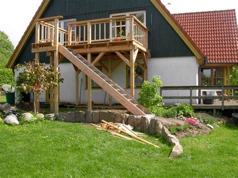 holztreppe außen selber bauen vordach terrassen 252 berdachung