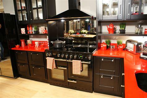 atelier du menuisier cuisine cuisine d co idée déco cuisine modèle italienne brute