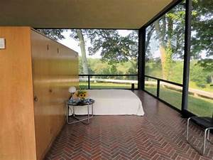 The Glass House - Bedroom - Picture of The Philip Johnson ...