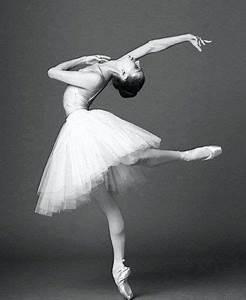 134 best Ballerina in black and white images on Pinterest ...