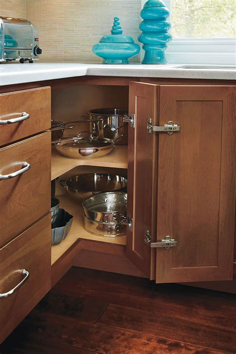 Easy Kitchen Cabinets by Base Easy Reach Cabinet Homecrest Cabinetry