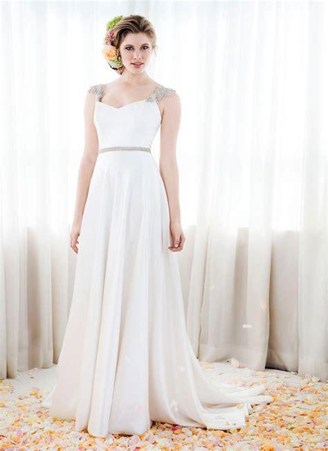 D00151 Sabrina Flow Dress flowing wedding dress summer bridal collection