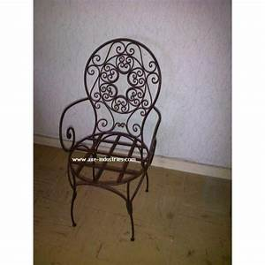 Chaise Fer Forgé : chaise fer forg rachid chaises en fer forg axe industries ~ Teatrodelosmanantiales.com Idées de Décoration