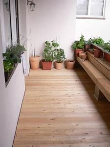 Holzboden terrasse terrassen holzboden die neueste for Französischer balkon mit holzboden im garten