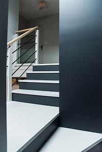 montee descalier peinture latest peinture montee escalier With amazing peindre une cage d escalier 14 davaus couleur peinture hall d entree avec des
