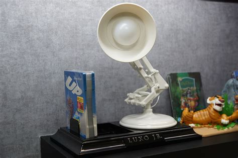 luxo jr collectible l 한나맨 스토리 업 up 룩소 주니어 램프 up limited edition luxo jr