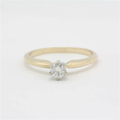 pre owned 14 karat yellow gold diamond engagement ring
