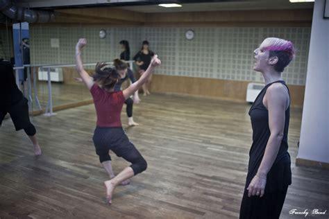 danse moderne jazz debutant professeur julie le centre des arts vivants ecole de danse bastille
