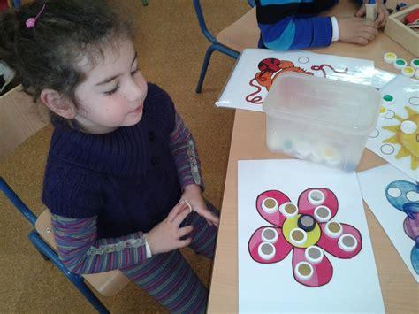 En juegosniñosgratis.com encontrarás juegos para toda la familia gratis y divertidos: AVENTURA DIMINUTA: JUEGOS DE NÚMEROS CON DADOS PARA EDUCACIÓN INFANTIL (1)