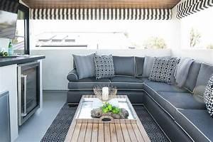 20 idees de tapis dexterieur reussir la deco du coin repas With tapis exterieur avec canapé 3