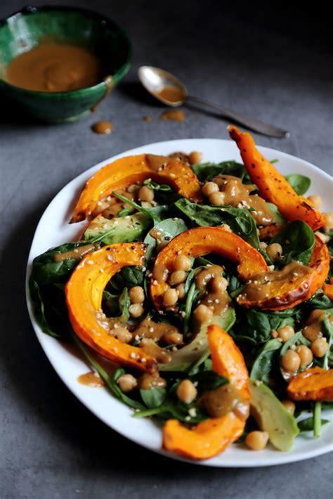 cuisiner pois chiches comment cuisiner du potimarron salade d automne au potimarron rôti pousses d épinard pois