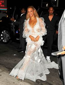 Beyonc Steps Out With Jay Z For Dinner In New York After