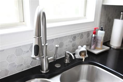 installation   Does this kitchen faucet fit with this sink