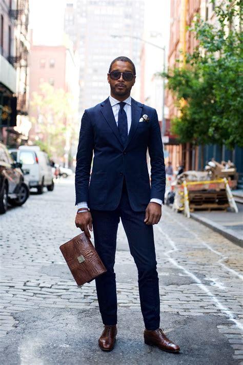 costume bleu chaussure marron 8 erreurs 224 233 viter pour bien porter un costume