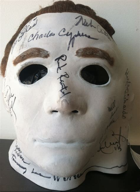 Halloween 5 Cast Michael Myers by Charitybuzz Incredibly Rare Halloween Michael Myers Mask