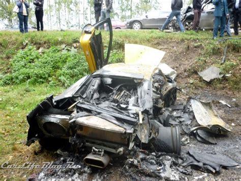 crashed lamborghini veneno car crash lamborghini murcielago lp640 burned down after