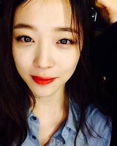 Check out the pretty selfies from Choi Sulli - Wonderful ...