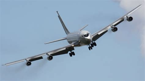 legendary boeing  touch  depature landing