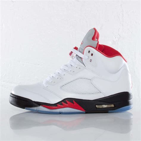 Jordan Brand Air Jordan 5 Retro 136027 100