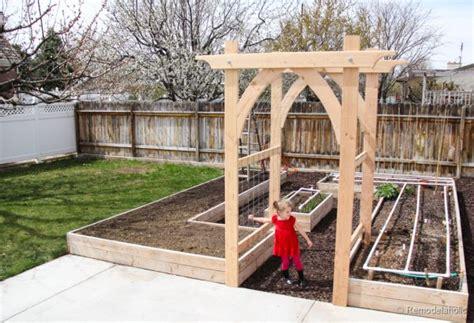 Garden Arbor Plans by Vegetable Garden Arbor Diy Plans
