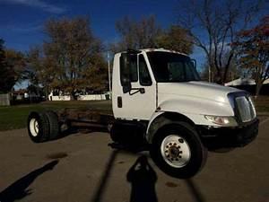 International 4300 Cab  U0026 Chassis  2002    Heavy Duty Trucks
