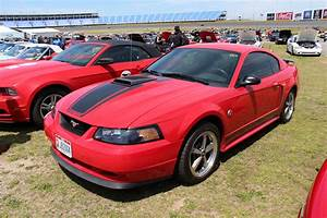 File:2003 Ford Mustang Mach 1 Coupe (14370242858).jpg - Wikimedia Commons