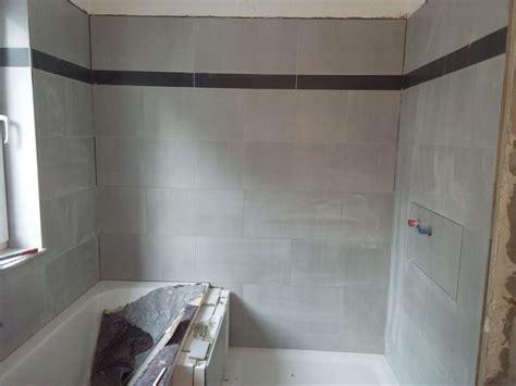 Badezimmer Fliesen Abschluss by Bad Halbhoch Fliesen Abschluss Fliesen Legen Eine Wand