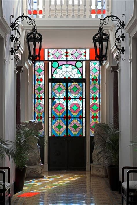stained glass ideas  indoor  outdoor home decor digsdigs