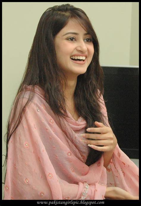 India Girls Hot Photos Pakistani Drama Actress Sajal Ali