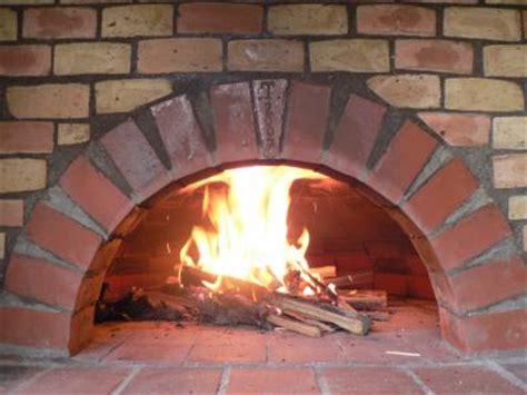 cuisine four a bois fabrication d 39 un four a la dentelle de bois