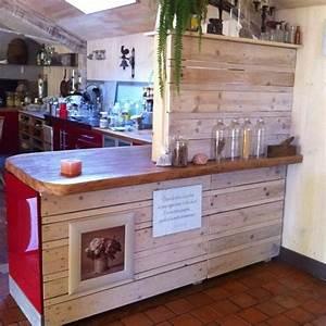 50 utilisations incroyables de vieilles palettes en bois With meuble bar separation cuisine 15 bibliothaque ouverte basse meubles turone
