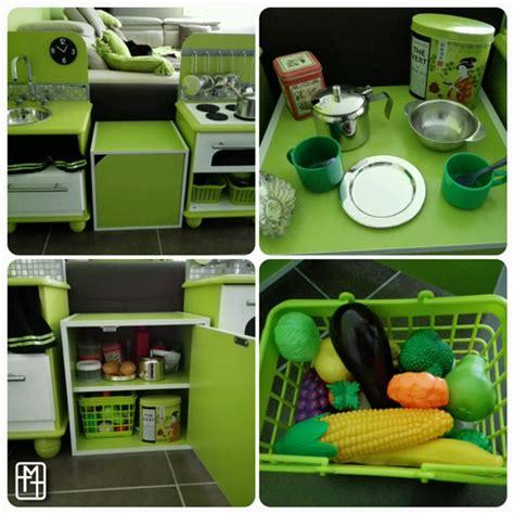 placard provision cuisine diy fabriquer une cuisine pour enfant avec deux tables
