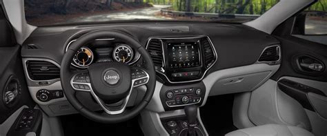 2019 Jeep Cherokee Interior, Seating, & Comfort