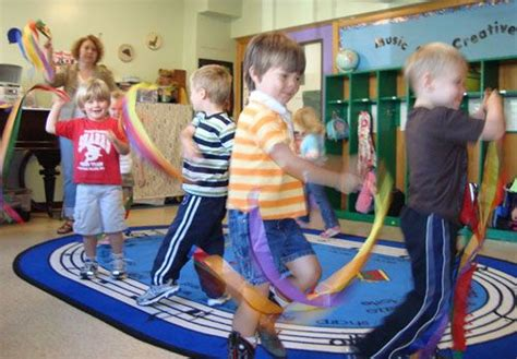 Use these simple movement activities for preschoolers in your home. 1000+ images about Kids Music & Movement Ideas/Crafts on Pinterest | Drums, Music activities and ...