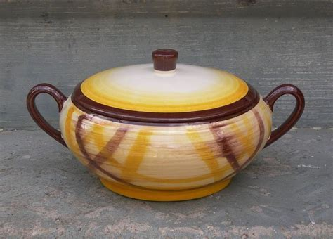 39 s pottery casserole 39 best images about vintage vernonware stoneware on